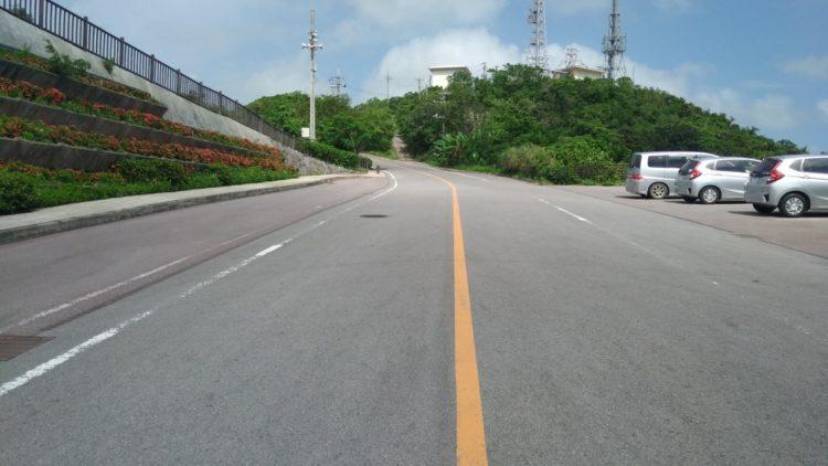 バンナ公園内の公道