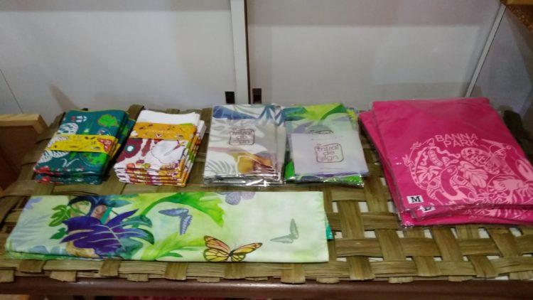 世界の昆虫館のオリジナルTシャツとバンダナ