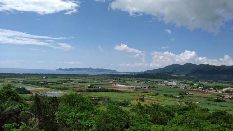 名蔵遠見台から眺めた名蔵湾の景色