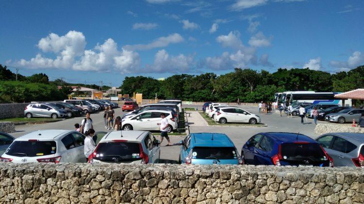 川平湾の有料駐車場