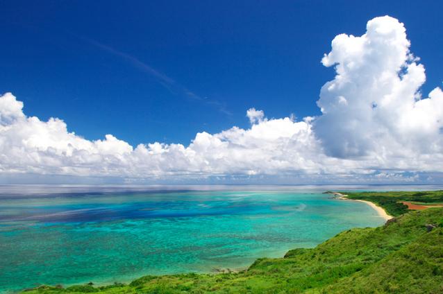 平久保崎灯台から見たビーチの景色