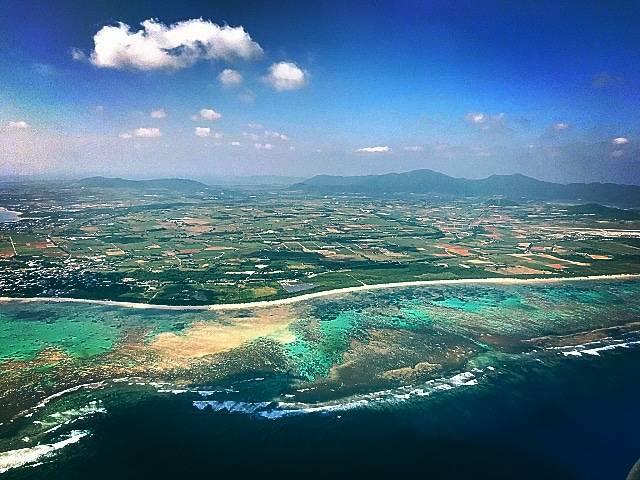 飛行機から眺めた石垣島