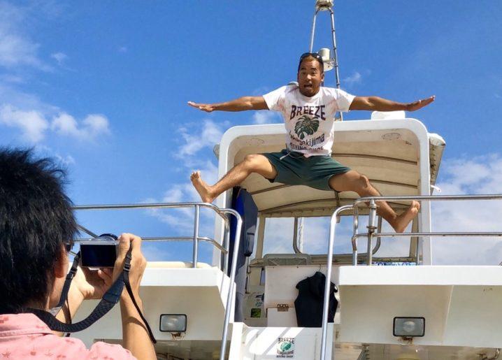ダンサーTOMOのジャンプ写真