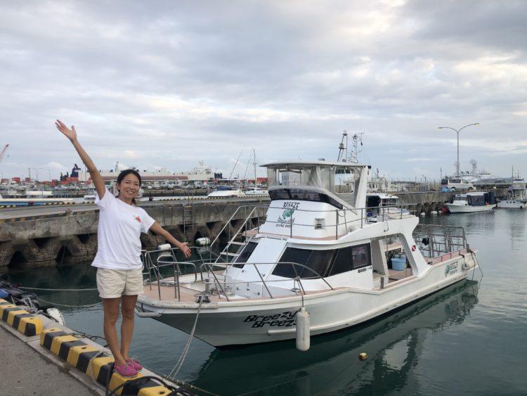 Breeze石垣島のボートの外観