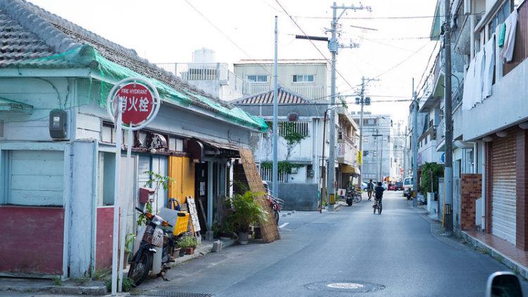 石垣島の裏通り